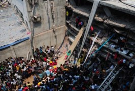 Bangladesh: Rescatan a 24 supervivientes y muertos suben a 250