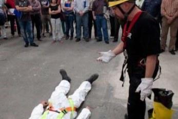 España: La crisis acaba con la mitad del empleo del sector de la prevención de riesgos laborales