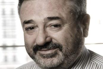 La remoción del cargo del Dr. Rolando Gialdino.