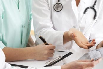 México: Senadora propone acortar horarios laborales de médicos residentes