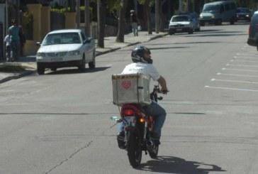 Uruguay: Repartidores en moto deberán estar registrados y realizar cursos para trabajar