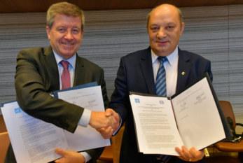 La OIT firma un nuevo acuerdo de cooperación con los consejos económicos y sociales de todo el mundo